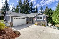 2512 179th Ave E, Lake Tapps. Tory Mayfield ML75 9718